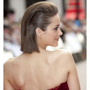 peinado con el centro levantado
