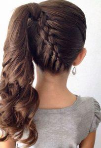 peinado de coleta elegante para niña