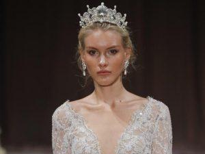 peinado de novia con corona