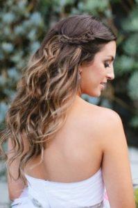 peinado sencillo de pelo suelto griego