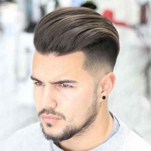peinado con tupe para hombre