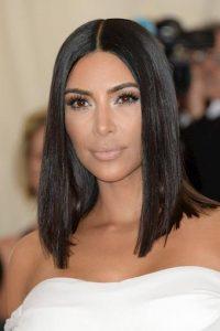 peinado liso de kim kardashian