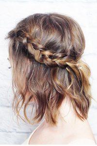 peinado para pelo corto con trenzas sencillo
