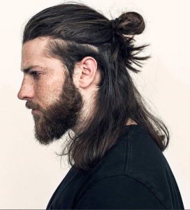 peinado semi recogido de hombre