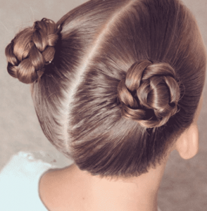 peinado sencillo con dos rodetes