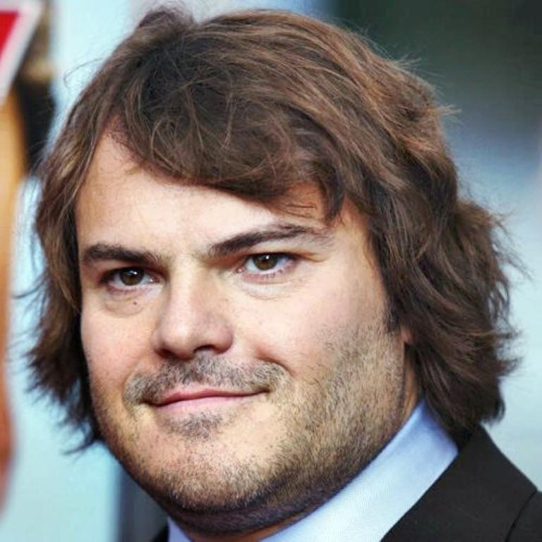 peinado de hombre cabello largo y cara redonda