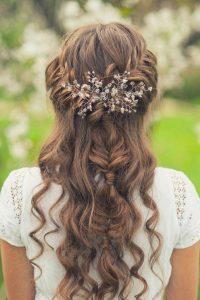 peinado con ondas semirecogido