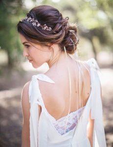 peinado recogido con tocado de novia