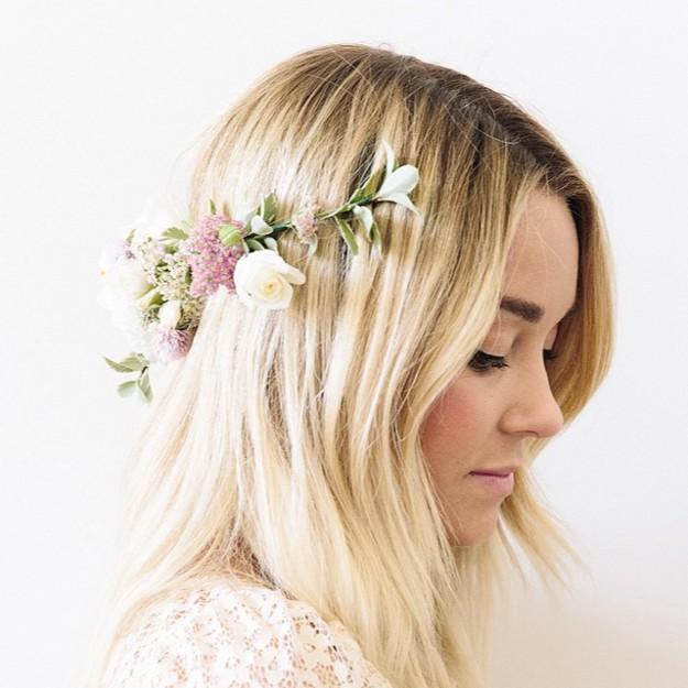 corona de flores trasera para bodas