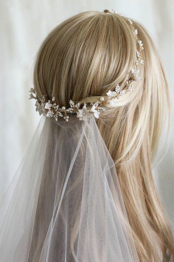 peinado basico de novia con tocado