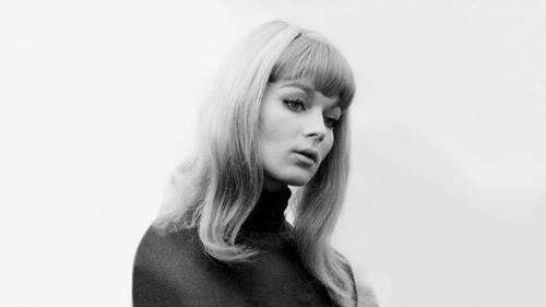 peinado casual de los años setenta
