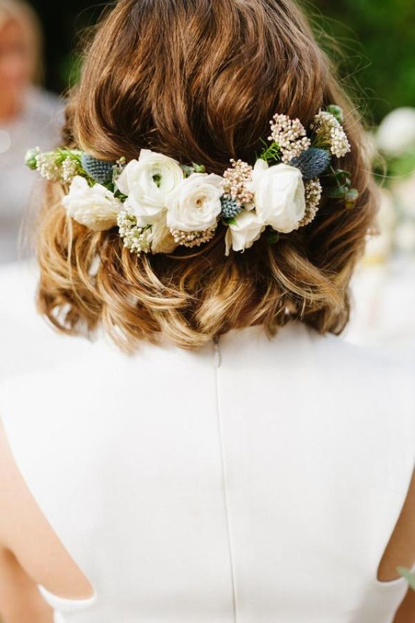 peinado de novia con rosas