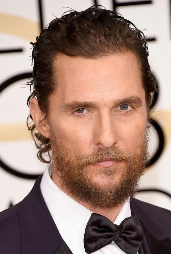 peinado de cabello largo con barba