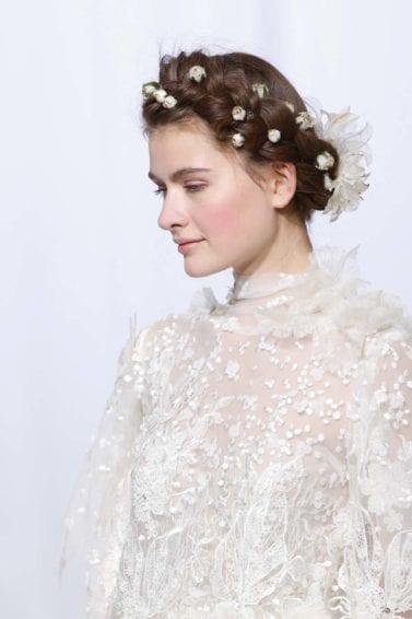 peinado sencillo de flores