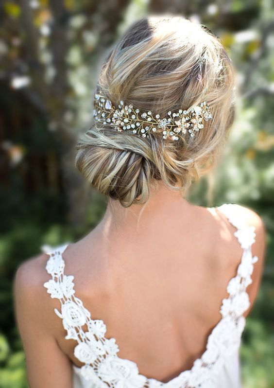 peinado recogido de novia con tocado