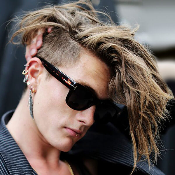peinado punk de hombre