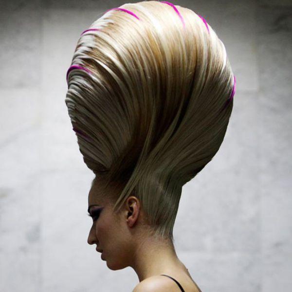 peinado raro de mujer