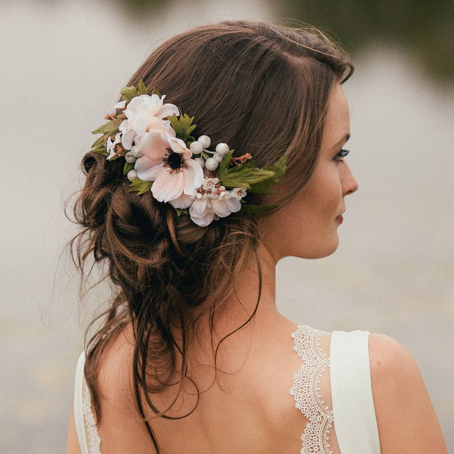 peinado semirecogido con flores