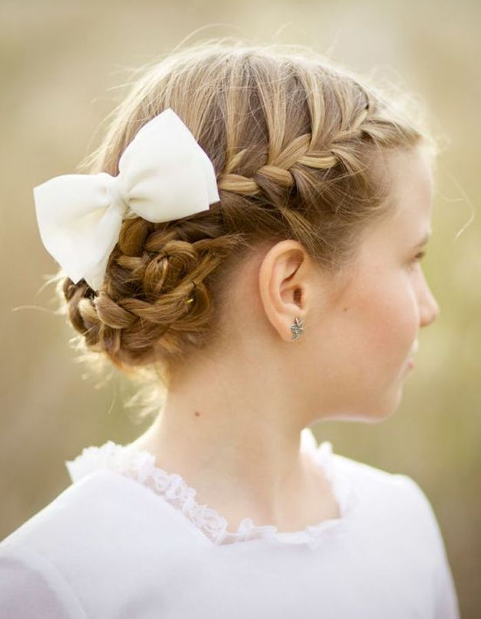 peinado tegido con tocado para niñas
