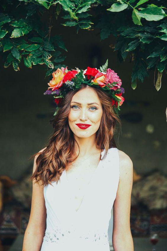 peinado con flores cabello suelto