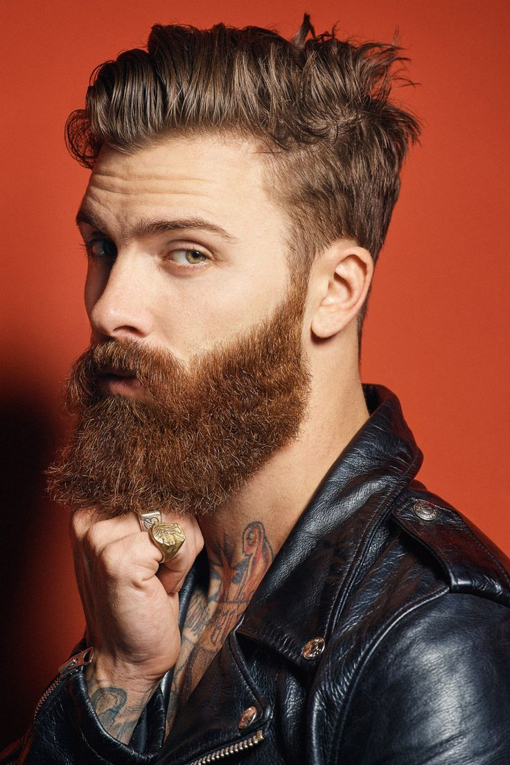 peinados de hombre con barba poblada