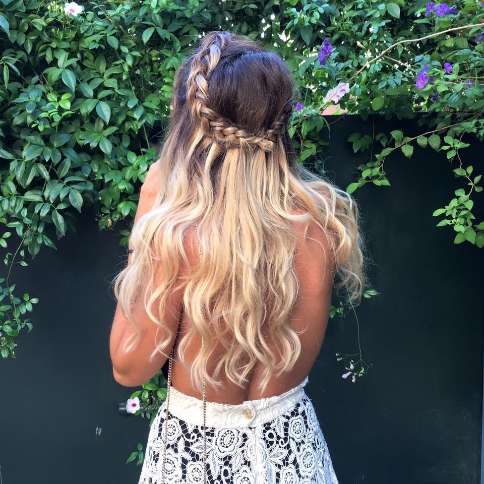 peinado con extensiones a pelo suelto