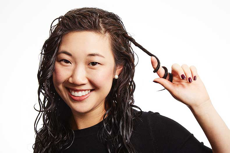 cabello rizado mojado