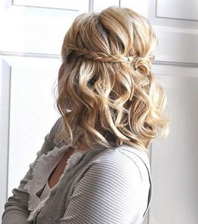peinado de media melena con trenzas