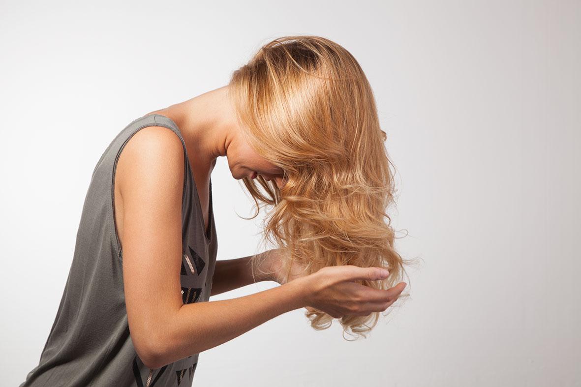 peinado de ondas con mousse