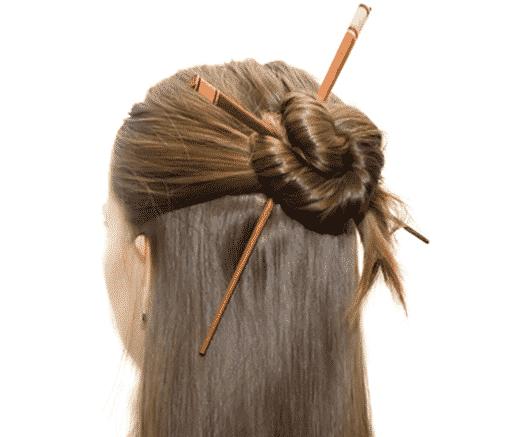peinado semi recogido con palitos